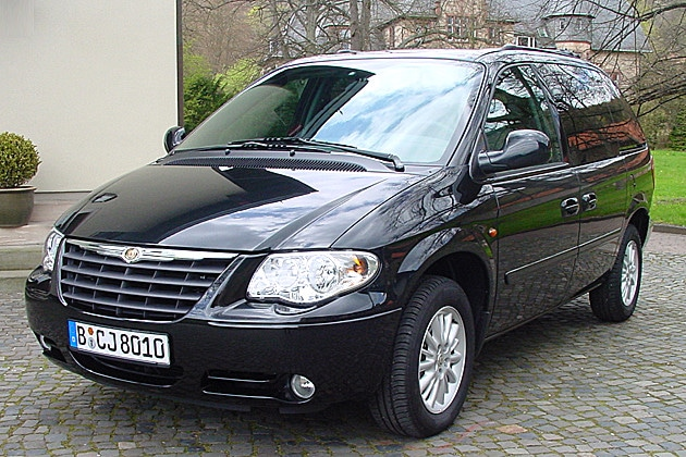 chrysler voyager le v t ran des monospaces 7 places toutes les marques de voiture 7 8 ou 9. Black Bedroom Furniture Sets. Home Design Ideas