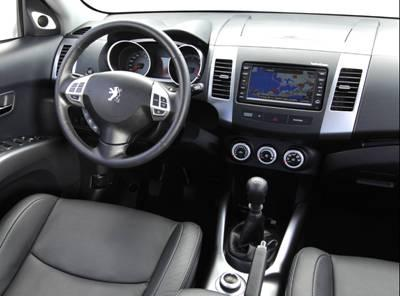 interieur habitacle peugeot 4007
