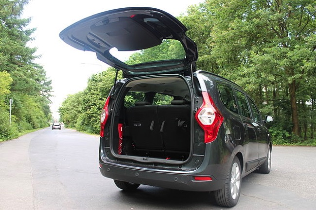 dacia lodgy le v hicule 7 places bon march et plein d 39 atouts. Black Bedroom Furniture Sets. Home Design Ideas