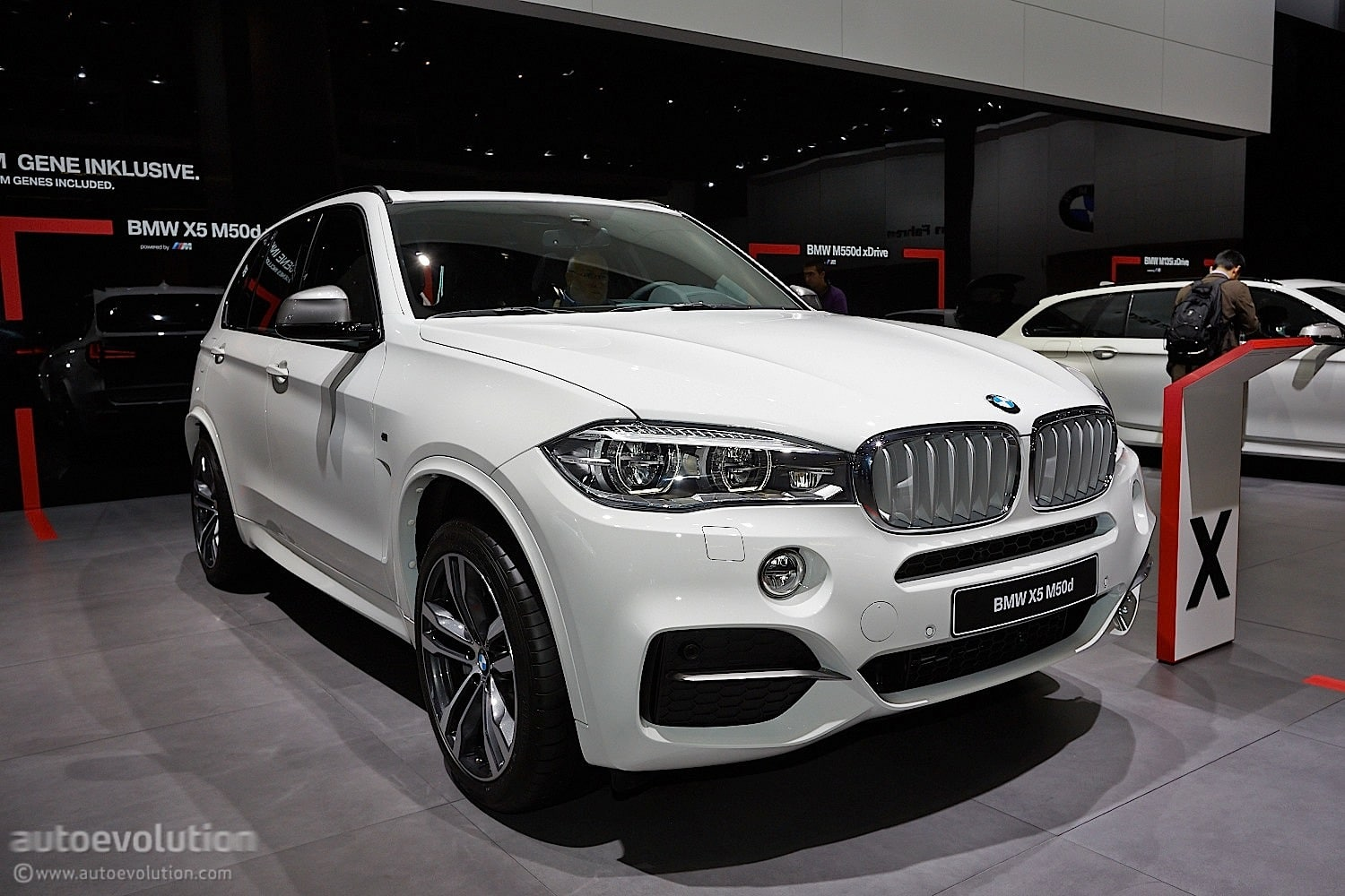 bmw x5 un suv 4x4 de luxe presque 7 places toutes les. Black Bedroom Furniture Sets. Home Design Ideas