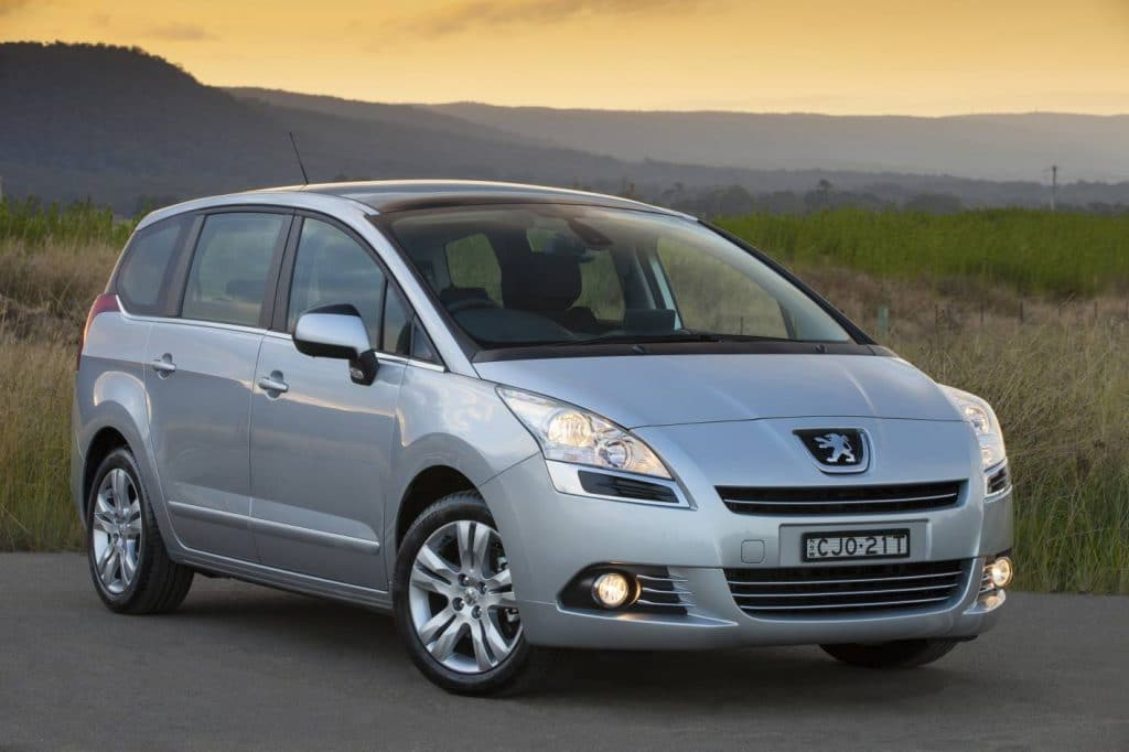 peugeot-5008-monospace7-places