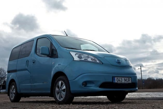 nissan nv200 evalia le bon vieux monospace ludospace 7 places. Black Bedroom Furniture Sets. Home Design Ideas