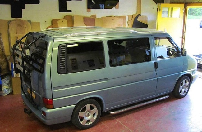 volkswagen caravelle t4 le confort d clin de 7 9 places. Black Bedroom Furniture Sets. Home Design Ideas