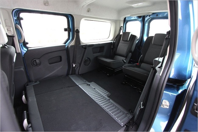 renault grand kangoo 70 d cibels mais 7 passagers bien assis. Black Bedroom Furniture Sets. Home Design Ideas