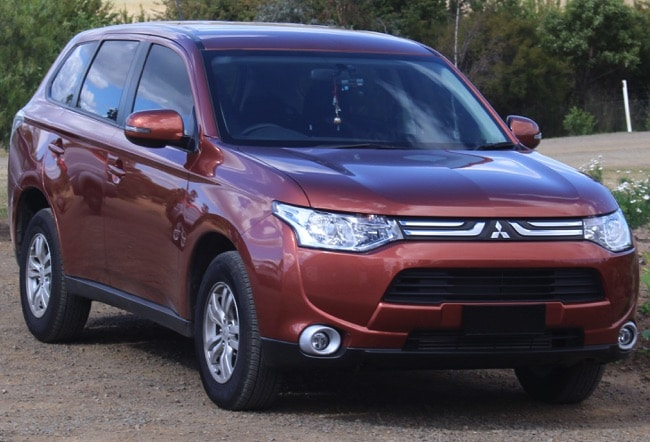 mitsubishi outlander le suv 7 places sportif et baroudeur. Black Bedroom Furniture Sets. Home Design Ideas