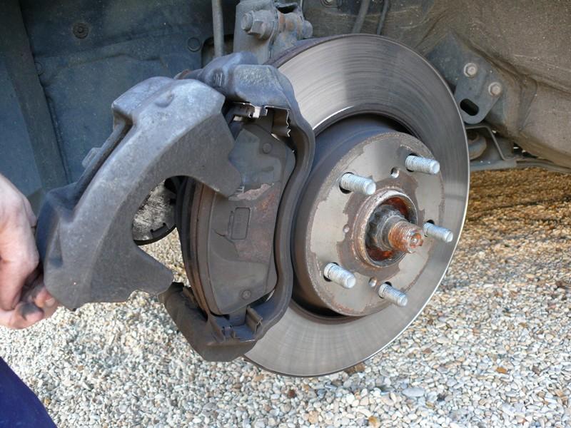 Changement de plaquette de frein faire avant un long for Garage changement plaquette de frein