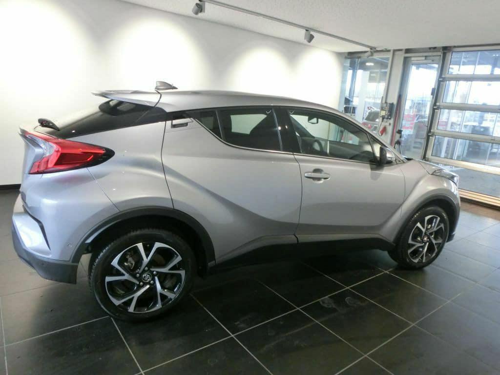 Toyota C-HR de profil